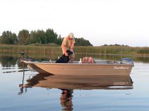 Rybársky čln PowerBoat 420 TL